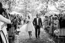 Un couple de mariés dans les landes