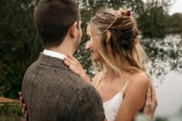 une inspiration mariage au bord d'un lac